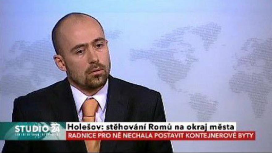 Video Studio ČT24 o stěhování Romů