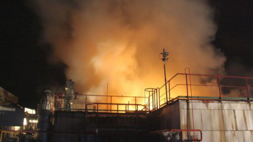 Video V areálu chemické výroby v Otrokovicích zasahovali hasiči
