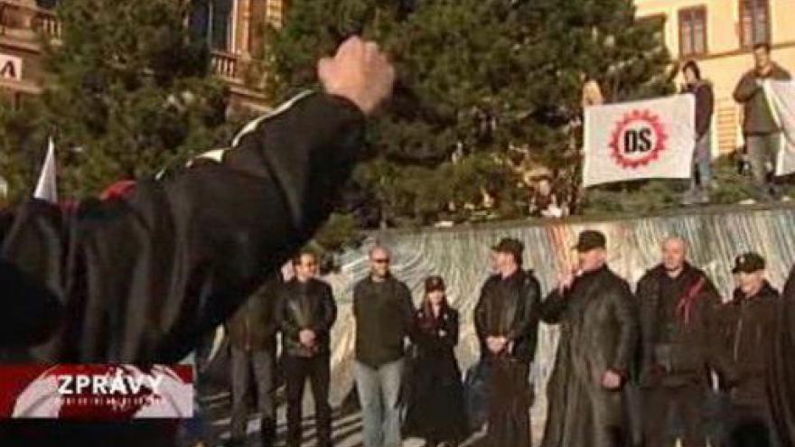 Video DS zrušena, politici verdikt vítají