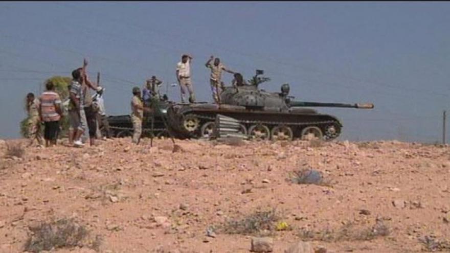 Video Libyjští povstalci obsadili předměstí Syrty