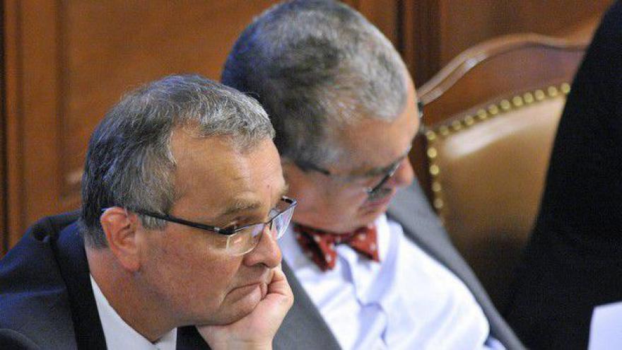 Video Ministři TOP 09 se vrací na jednání vlády