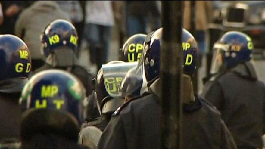 Video Události o násilnostech v Británii