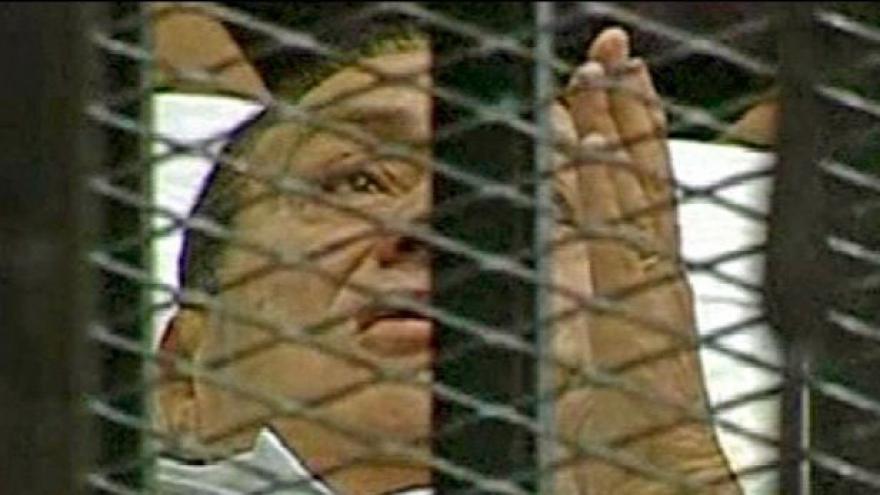 Video V Egyptě začal proces s Mubarakem