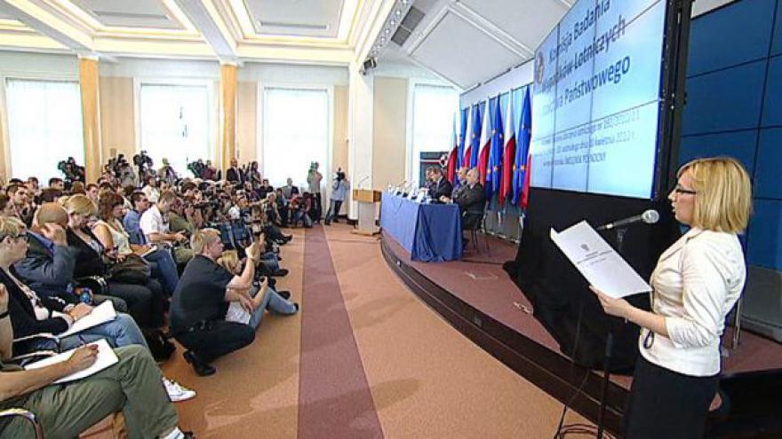 Video Brífink k závěrům vyšetřování nehody u Smolensku