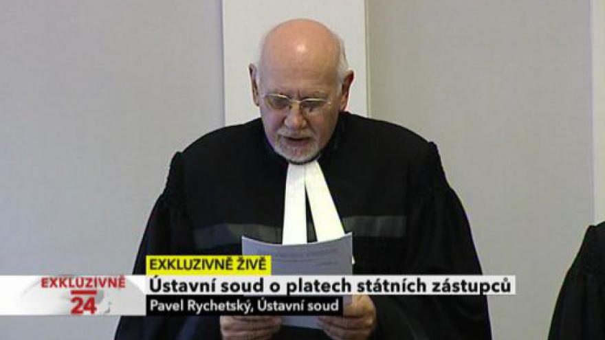 Video Ústavní soud o platech žalobců
