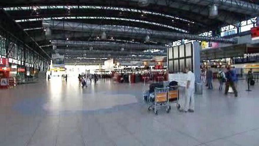 Video Pražské letiště stávku nepocítilo