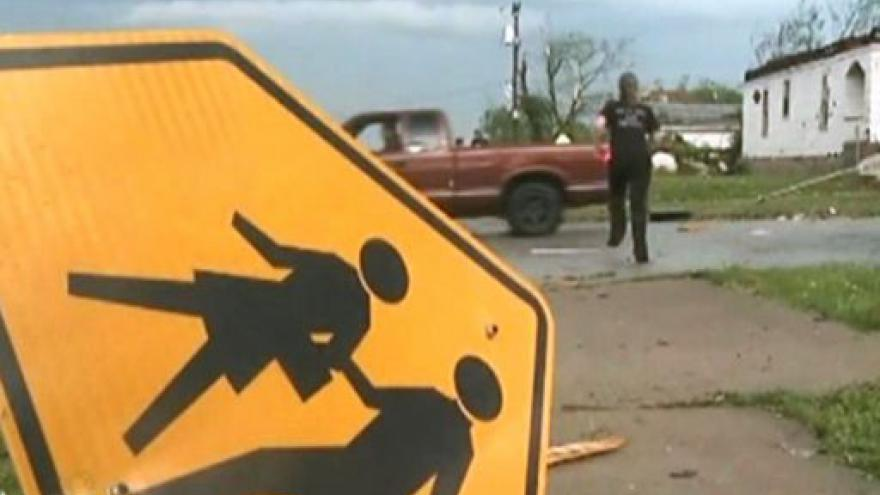 Video Tornáda na americkém Středozápadě zabila desítky lidí