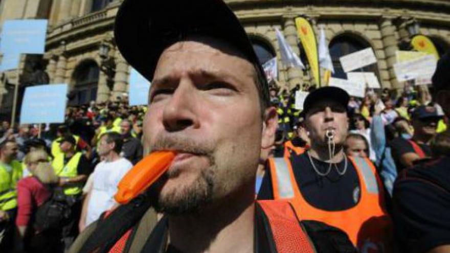 Video Odborářská demonstrace