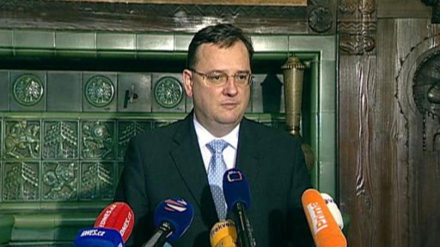 Video Opozice chce nové volby