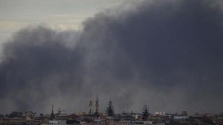 Video Povstalci žádají zásah proti Kaddáfímu