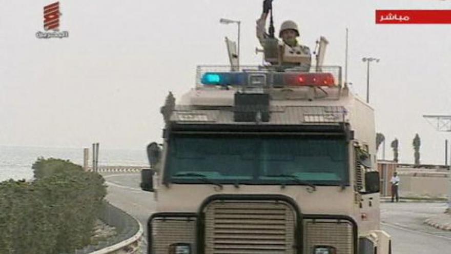 Video Saudská Arábie poslala vojáky do Bahrajnu