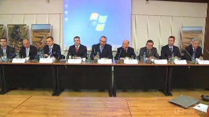 Video Tisková konference k odvolání šesti krajských ředitelů