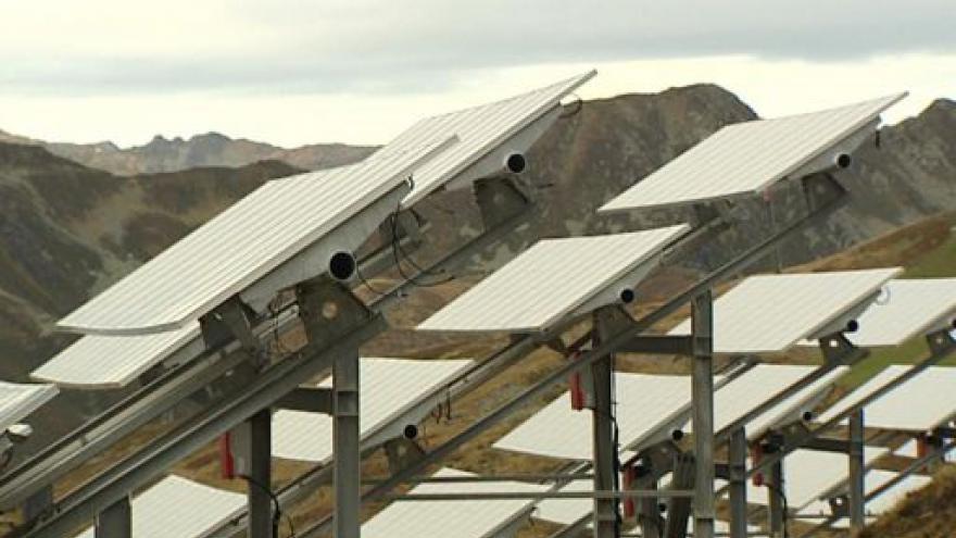 Video Panely na střechách - budoucnost české fotovoltaiky