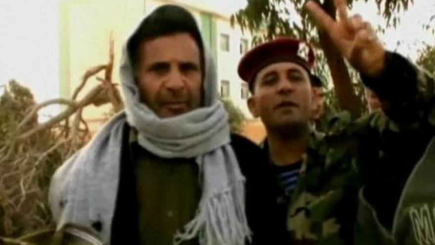 Video Z Libye prchají cizinci
