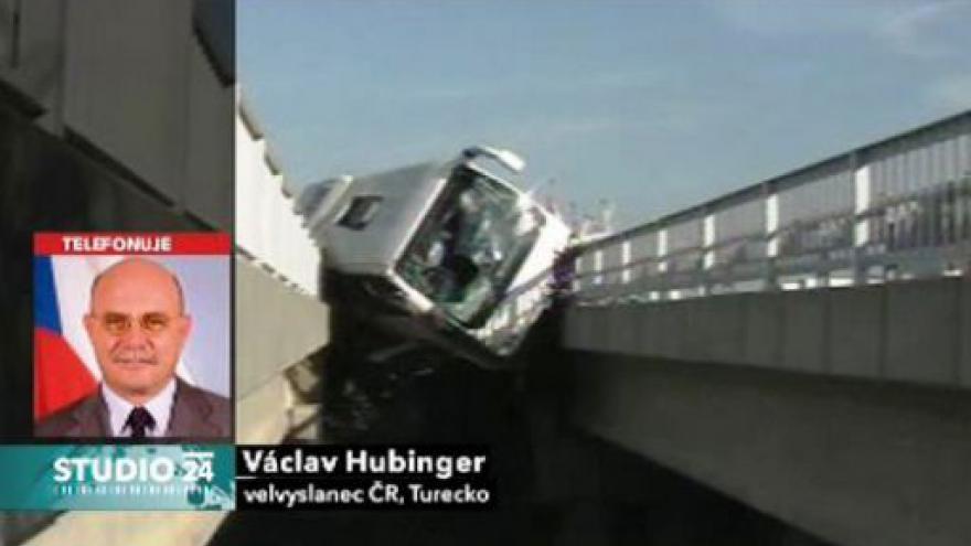 Video Telefonát českého velvyslance Václava Hubingera