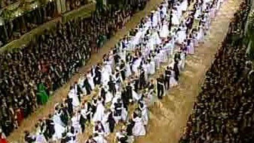 Video Ples v opeře začíná