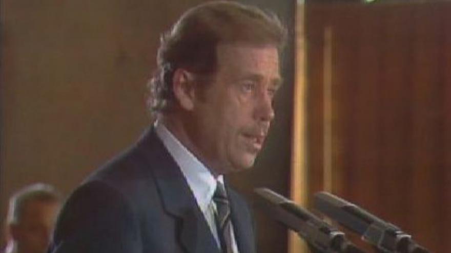 Video Václav Havel před 20 lety poprvé prezidentem