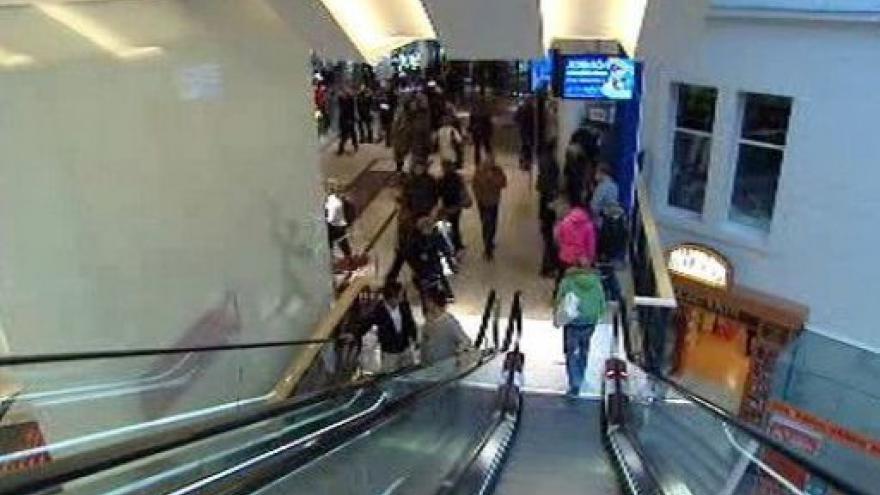 Video Obchodní centra ovládly vánoční nákupy