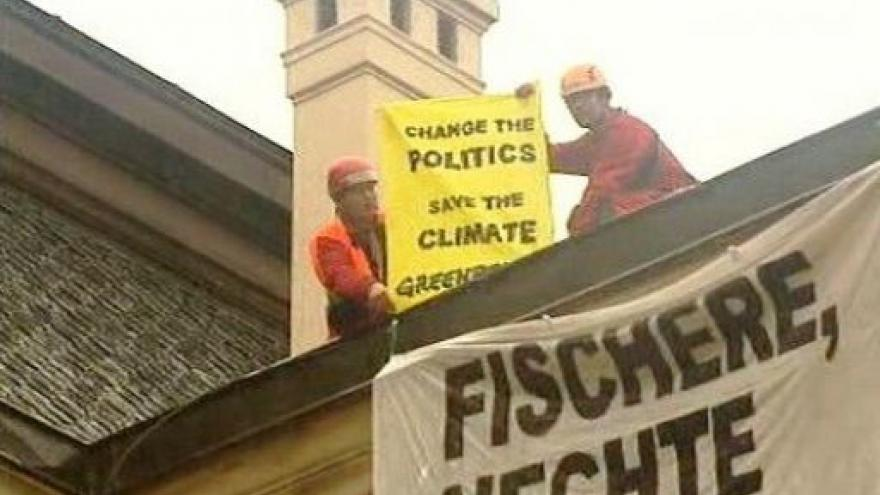 Video Protest Greenpeace - No comment