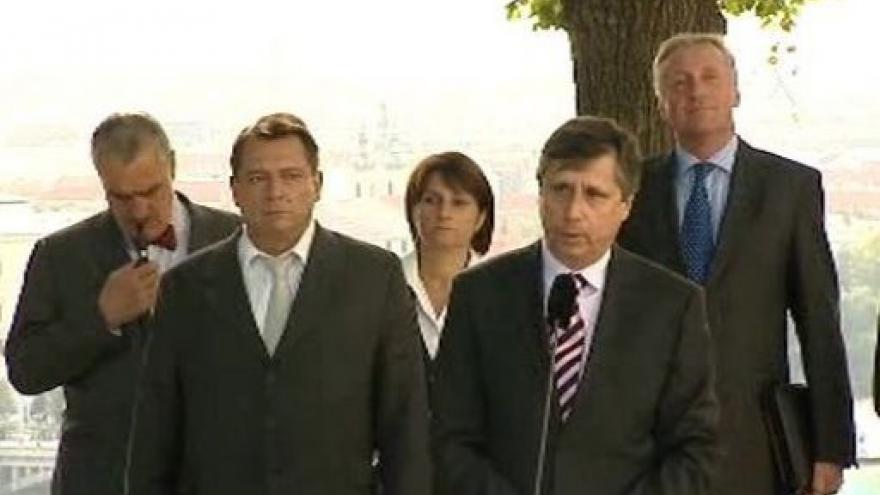 Video Brífink po setkání premiéra s politiky