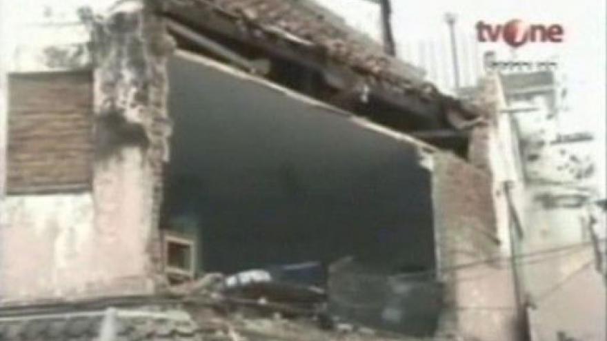 Video Indonésii zasáhlo silné zemětřesení