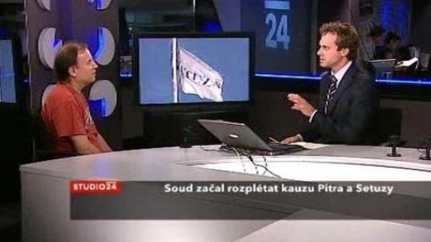 Video Komentátor Respektu Jaroslav Spurný ve Studiu ČT24