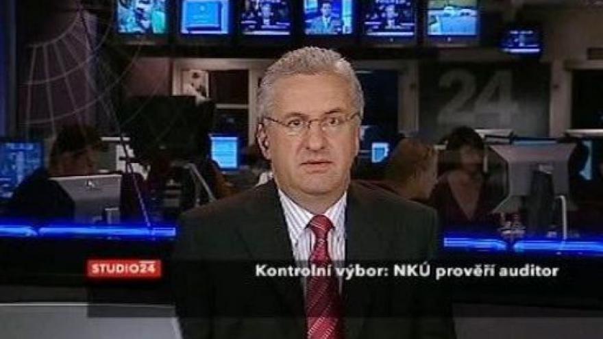 Video Studio ČT24: Šéf NKÚ čelí trestnímu oznámení