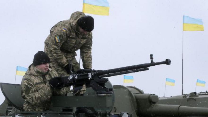 Video Komentátor ČRo Plus: Ukrajinci prý chtějí jednat s rebely přímo