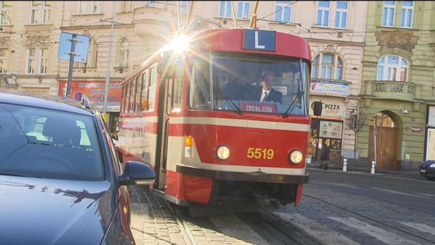 Video Špatně zaparkovaná auta budou v Brně odtahovat častěji