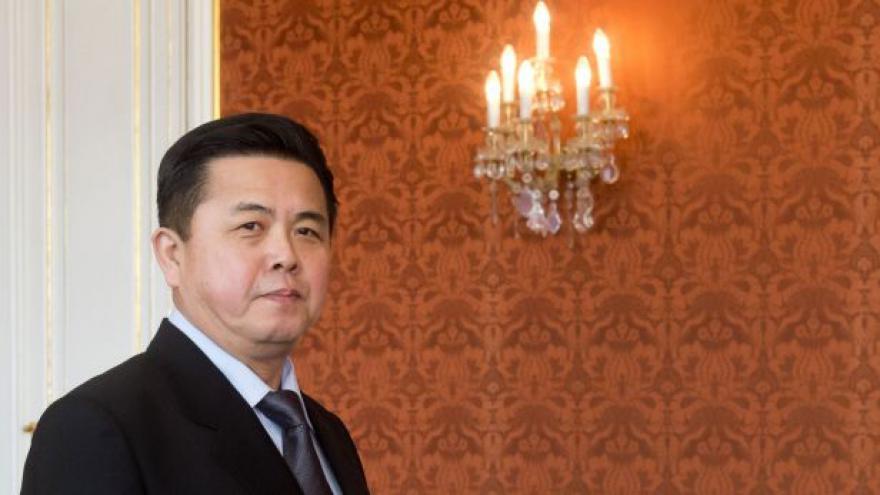 Video Kim Ir-senův syn je novým velvyslancem v ČR