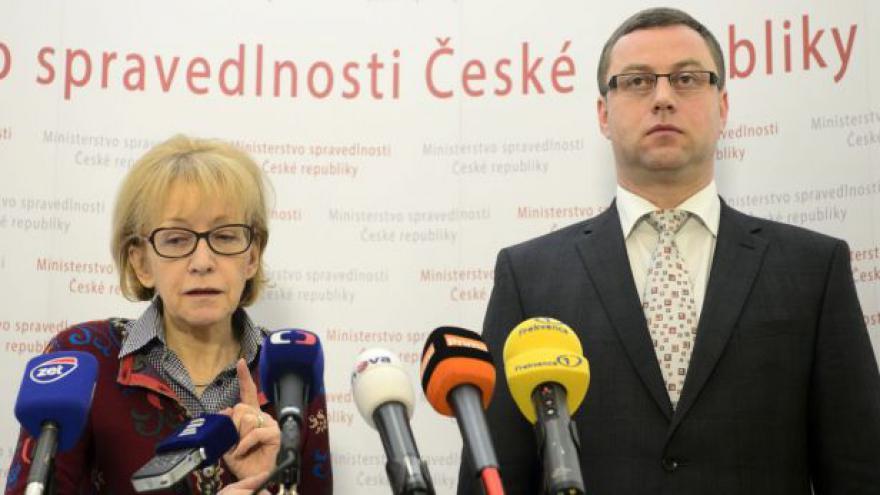 Video Válková a Zeman: Stanoviska se přiblížila