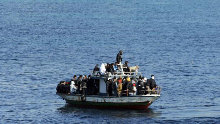 Video U břehů Libye zahynuly stovky uprchlíků