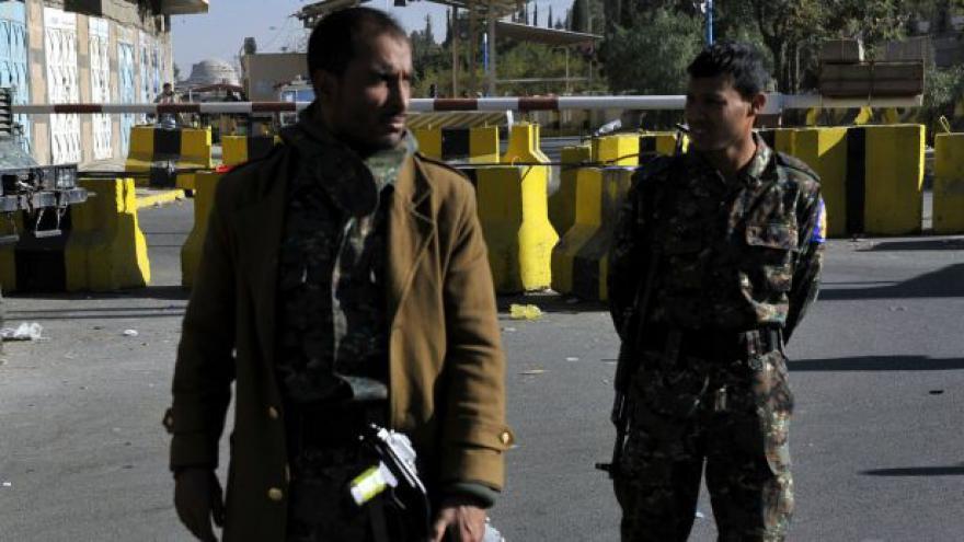 Video Al-Káida se zmocnila základny v Jemenu