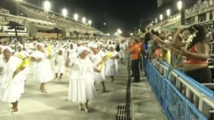Video Karneval v Riu