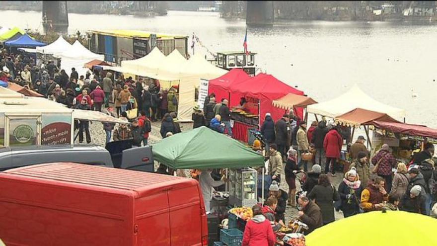 Video Farmářské trhy na pražské Náplavce
