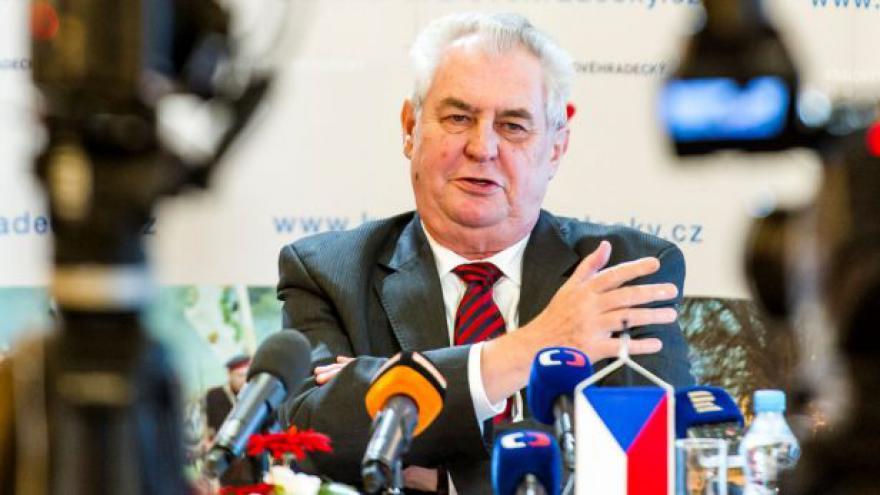 Video Brífink Miloše Zemana po návštěvě na Královéhradecku