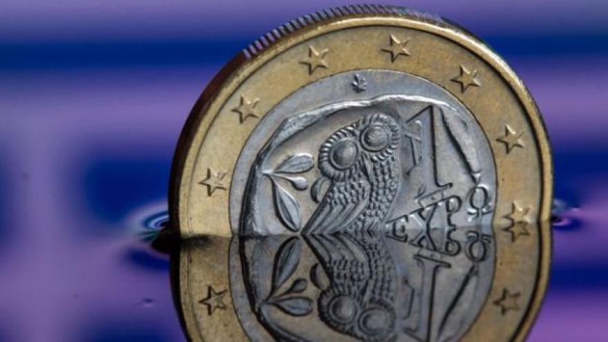 Video Ekonom: Řekové tahají za kratší konec