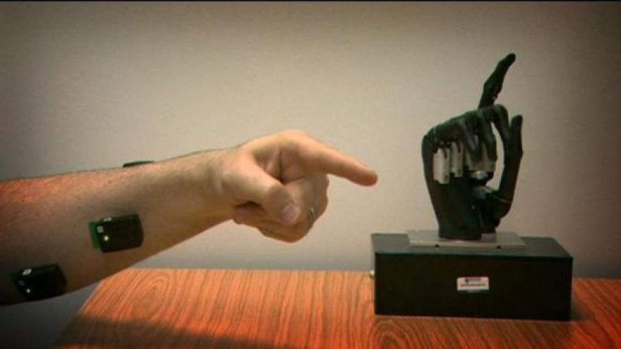 Video Objevy všedních zázraků díky robotickým rukám