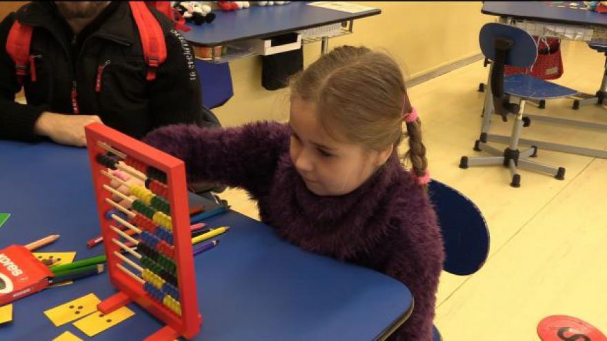 Video Zápis do první třídy na ZŠ Okříšky