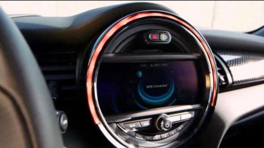 Video Autosalon v Ženevě roztáčí kola
