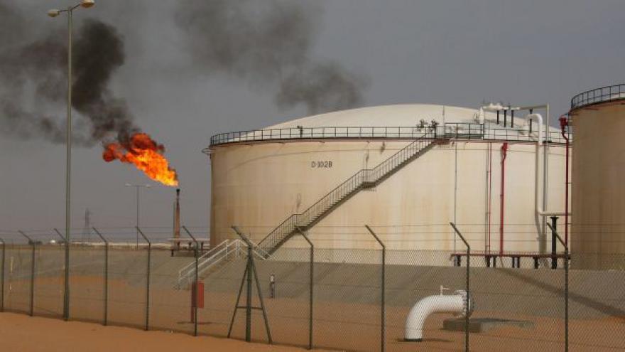 Video Zpravodaj ČT o závislosti libyjských vlád na příjmech z ropy