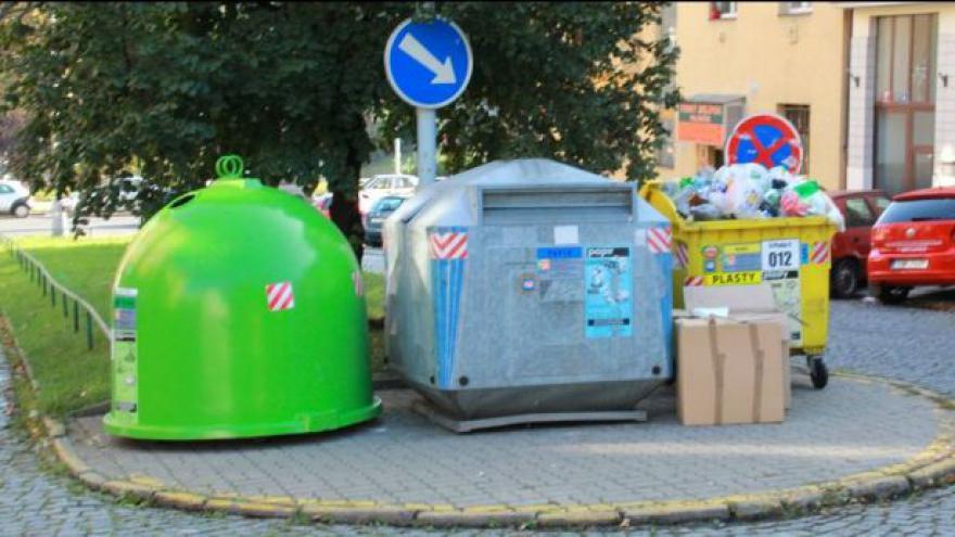 Video Vávra: Nakoupit kontejnery bylo manažerským rozhodnutím Pražských služeb