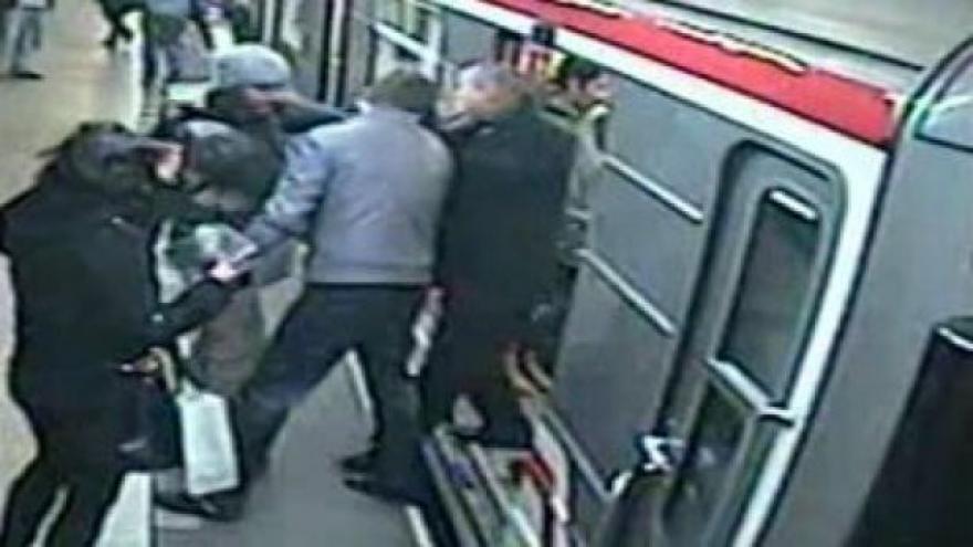 Video Útočník v metru