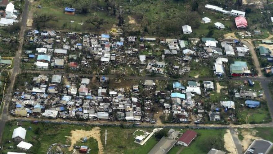 Video Na Vanuatu proudí humanitární pomoc