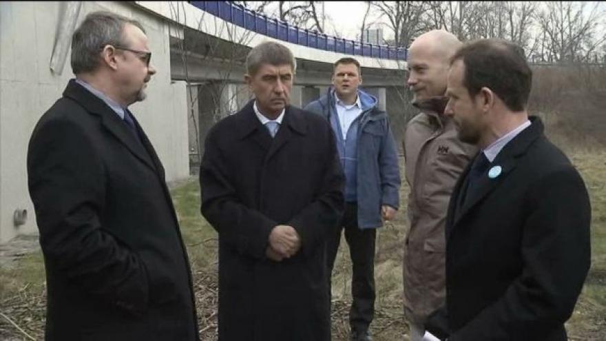 Video Ministři Ťok a Babiš se potkali na ostravských dálničních mostech
