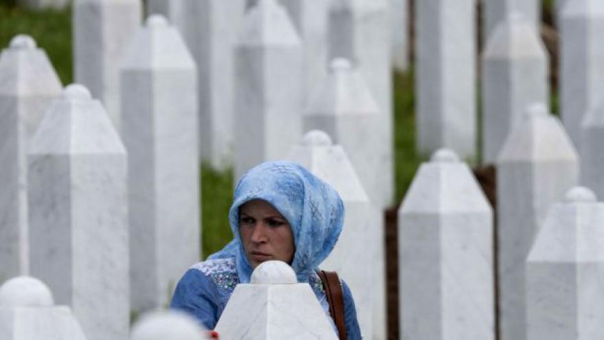 Video Srebrenica - zatčení s dvacetiletým zpožděním