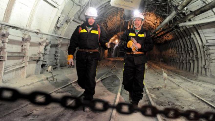Video Vláda schválila horníkům rozšíření předčasných důchodů
