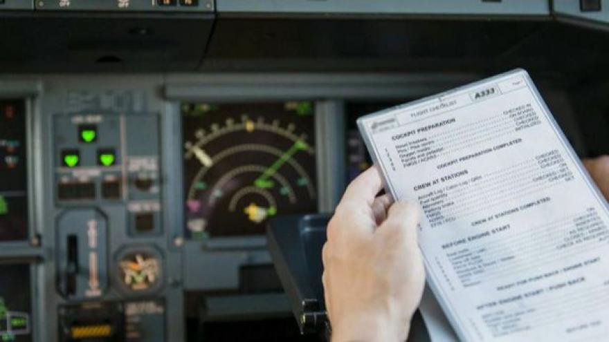 Video Před odletem kontroluje stroj sám kapitán