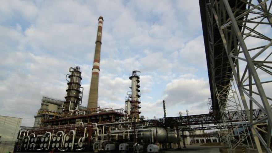 Video Unipetrol možná přestane zpracovávat ropu