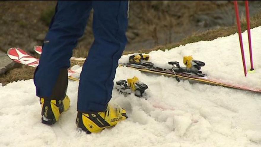 Video Na českých horách není konec s lyžováním ani o Velikonocích